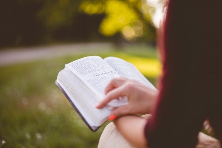 bijbel lezen maandtekst